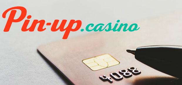 банковская карта и лого казино